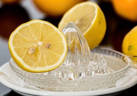 レモンサワーは太る?気になるカロリーと太る原因とは?